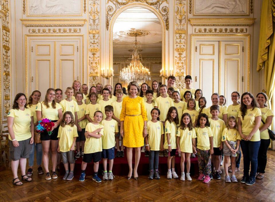Sa Majesté la Reine reçoit les jeunes de d-teach