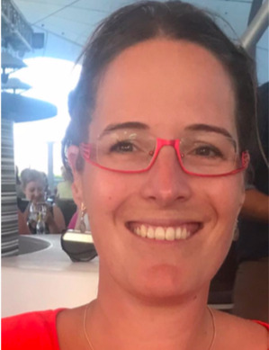 Julie professeur en ligne d-teach online school