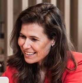 Lieselot declercq Co-founder & director d-teach online school