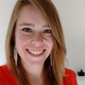 Manon professeur en ligne d-teach online school