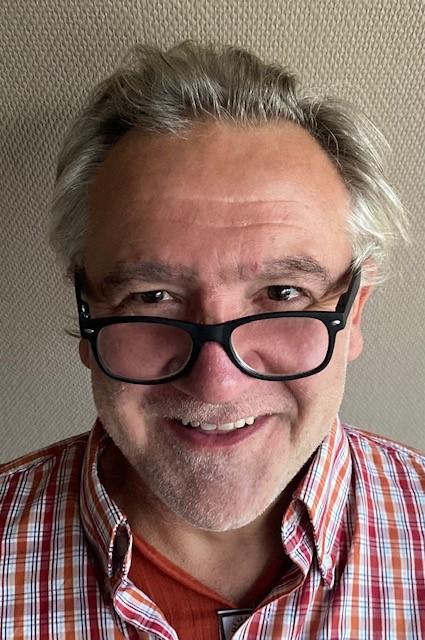 Hans_d-teach online school